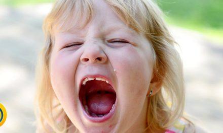 جیغ زدن کودک