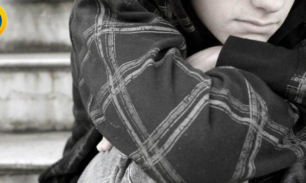 نوجوان تنها