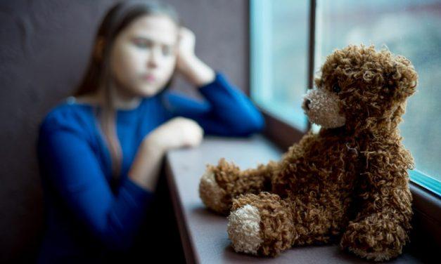 علائم و درمان افسردگی در کودکان