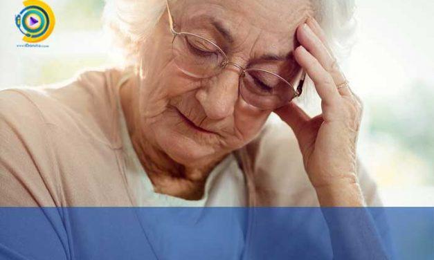 بررسی روان پریشی سالمندان